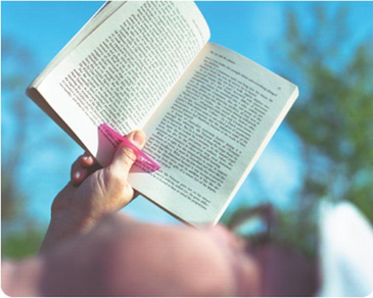 separa pagine libro pollice