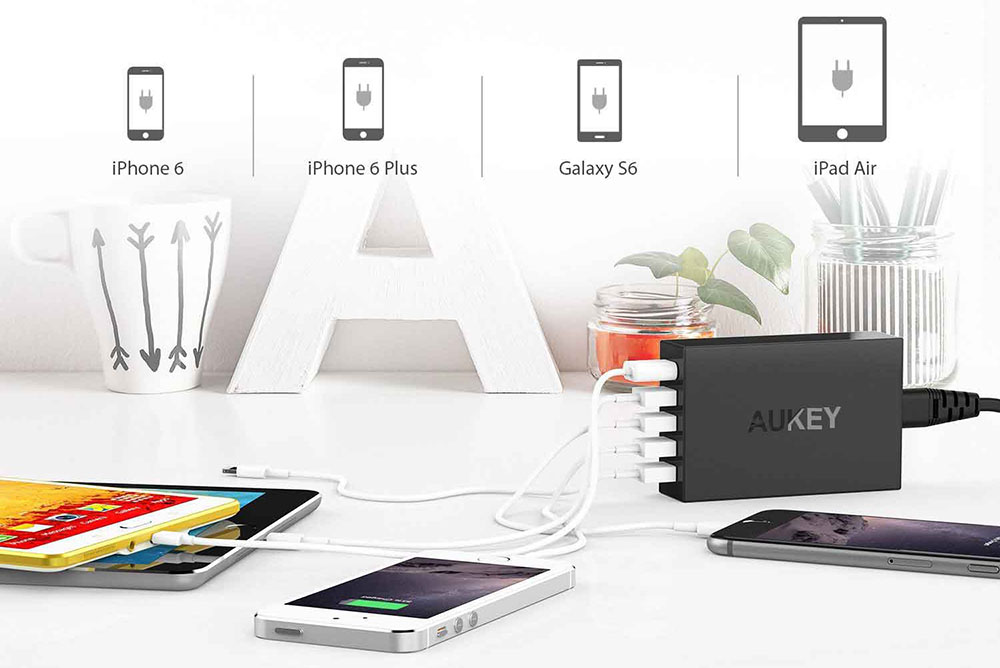 caricatore USB multiplo da viaggio