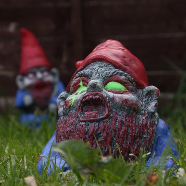 nano da giardino zombie halloween