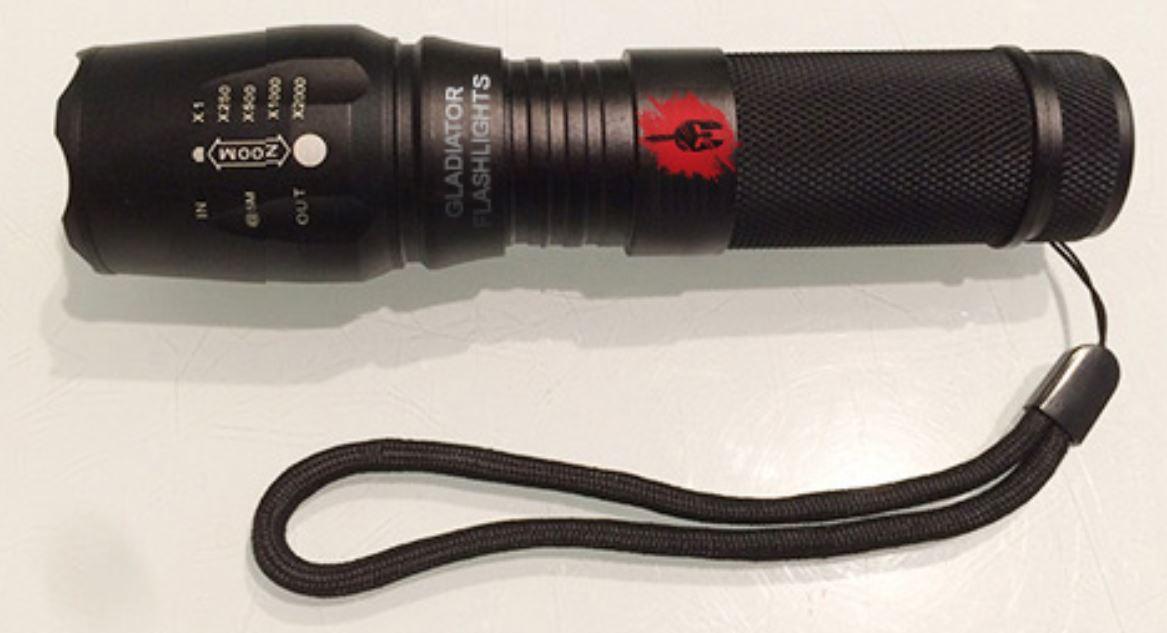 Gladiator Flashlight: La Torcia Militare Dei Tuoi Sogni!