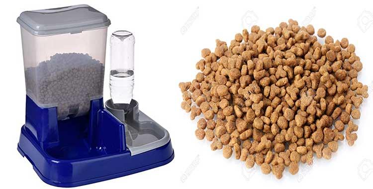 dispenser cibo gatti con porta bottiglia
