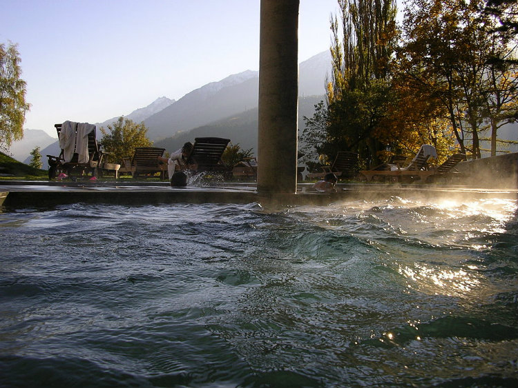 acqua essenziale benefici e controindicazioni